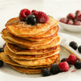 Low-Carb Pancakes with berries