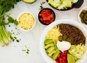 Low-Carb Taco Burrito Bowl. Burritos or tacos are an excellent choice if the rest of your family eat carbs.They are ready in 30 minutes with only 10g net carbs per serve. Ketogenic taco recipe | Keto diet recipes | 30 Minute low-carb recipe |Taco Tuesday | Atkins Diet| Banting | Beef Tacos | Gluten-Free Tacos | Low-carb burrito bowl
